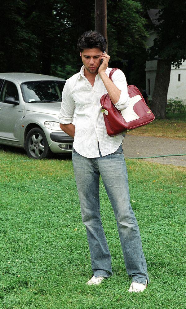 Olivier Janiak z torebką