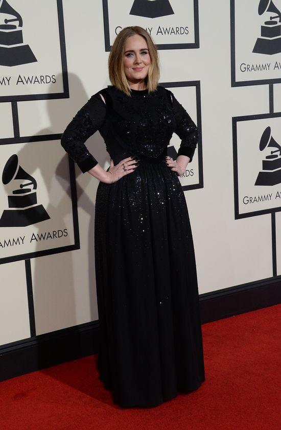 Adele w czarnej sukience na Grammy 2016