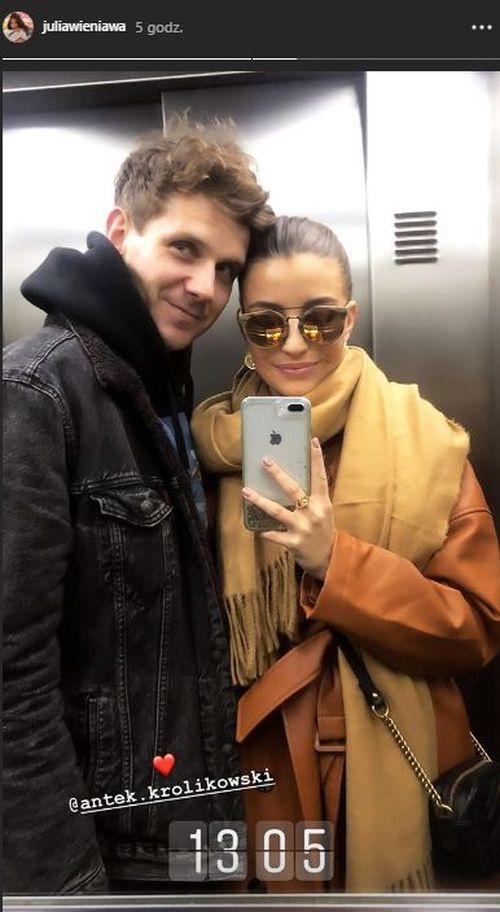 Julia Wieniawa zrobiła z Antkiem selfie w windzie - ma dość plotek o kryzysie?