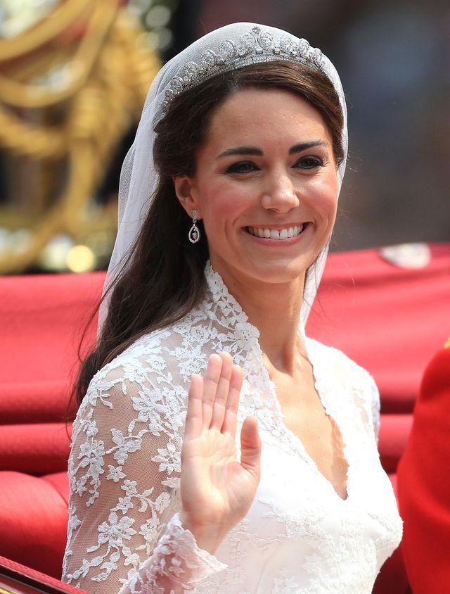 Meghan Markle pójdzie do ślubu w LOCZKACH?