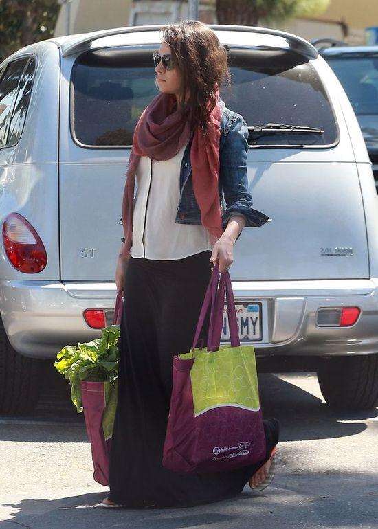 Mila Kunis w ci��y