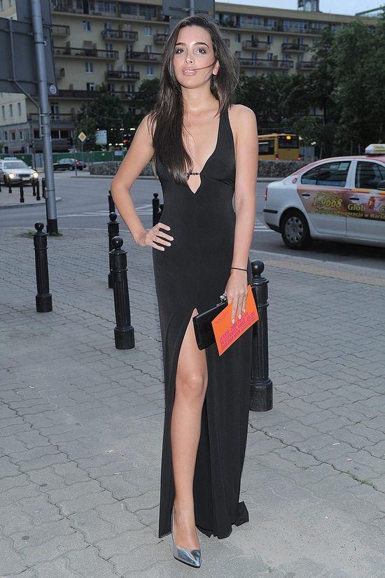 Sara Faraj, była dziewczyna Kuby Wojewódzkiego, w czarnej sukni