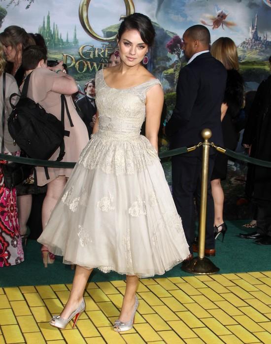 Mila Kunis w 2013