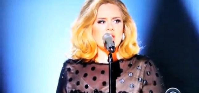 Adele królową tegorocznych Grammy [VIDEO]