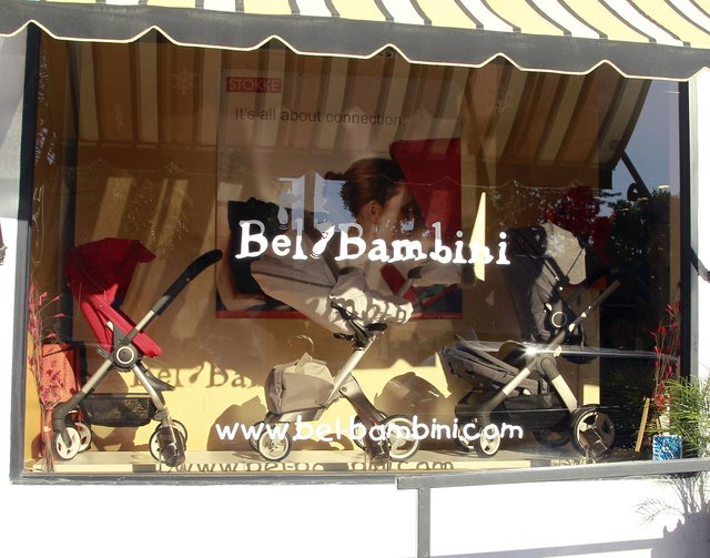 Adele w West Hollywood - robi zakupy dla dziecka (FOTO)