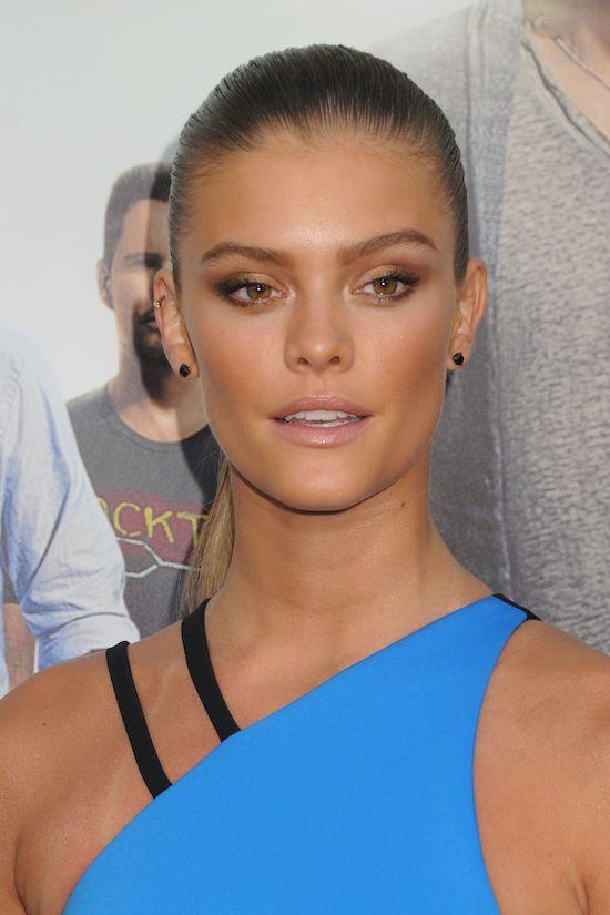 Była dziewczyna Leonarda DiCaprio, Nina Agdal NAGA na Instagramie!