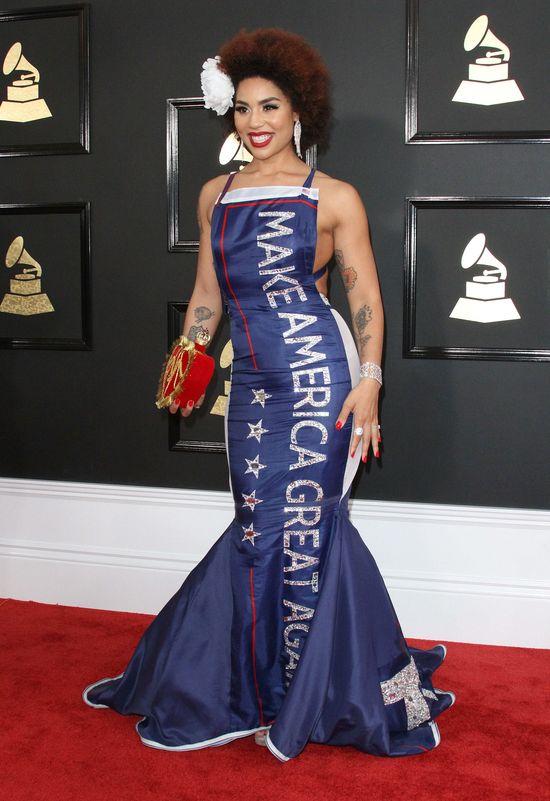 Ta suknia na Grammy wywołała ogromną falę hejtu! Lewica jej NIENAWIDZI (ZDJĘCIA)