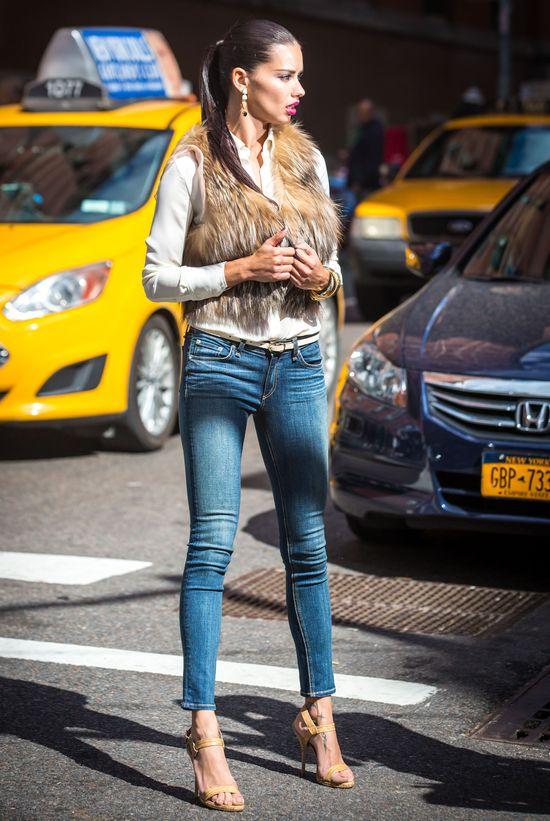 Adriana Lima zaczyna łowy (FOTO)