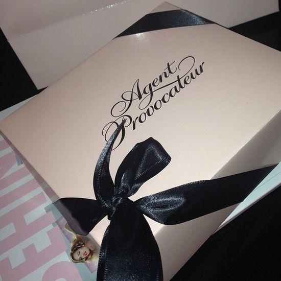 Co nabyły gwiazdy w butiku z luksusową bielizną? (FOTO)