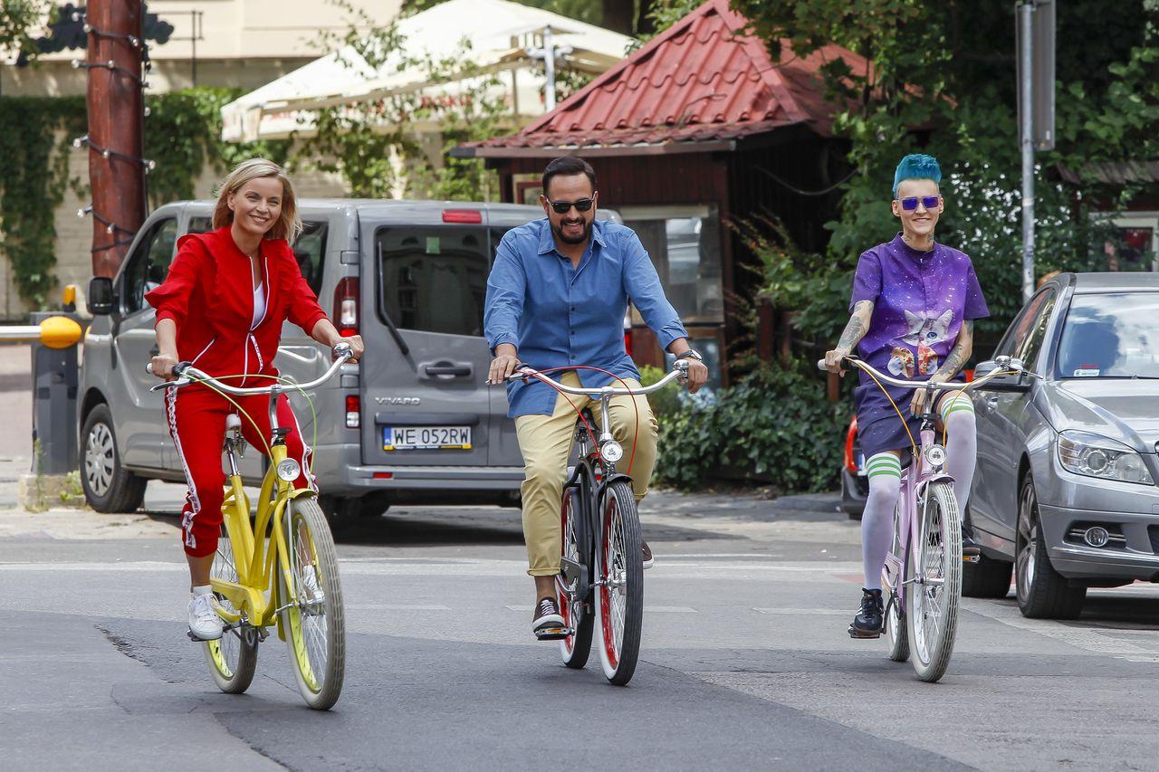 Wychudzona Agnieszka Chylińska na różowym rowerze (ZDJĘCIA)