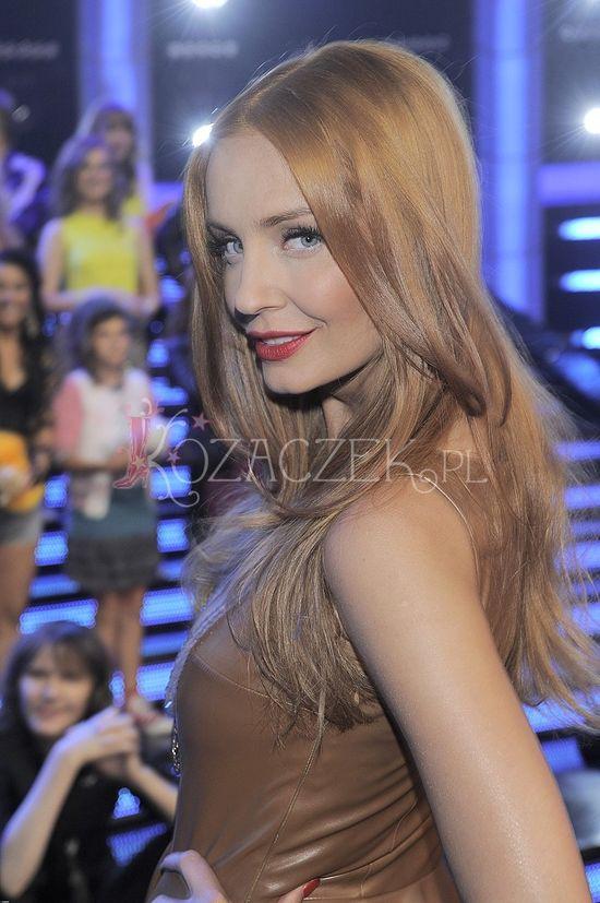 Agnieszka Szulim ma teraz rude w�osy (FOTO)