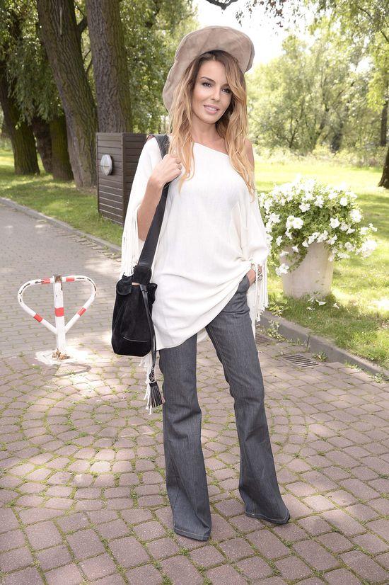 Agnieszka Włodarczyk dodatków do stylizacji szukała w drodze do pracy?