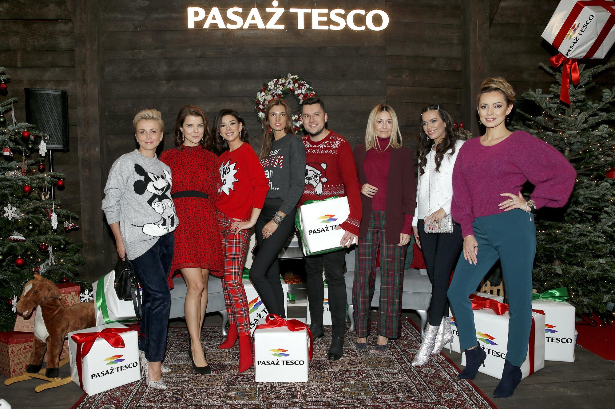 Gwiazdy na świątecznej imprezie. Spodnie Małgorzaty Rozenek to prawdziwy hit