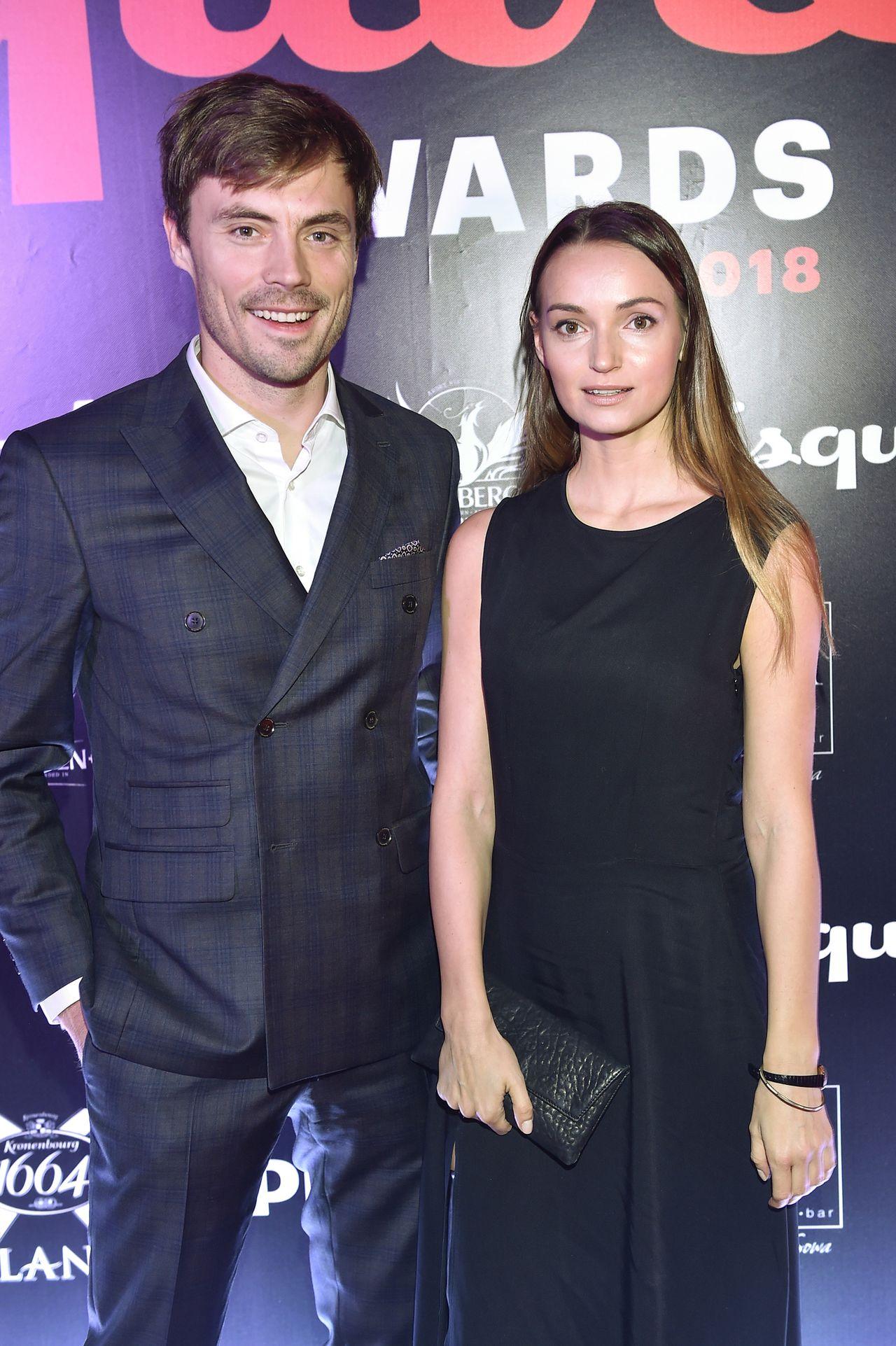 Tomasz Kot, Marcin Prokop, Kuba Przygoński ze statuetkami Esquire Awards