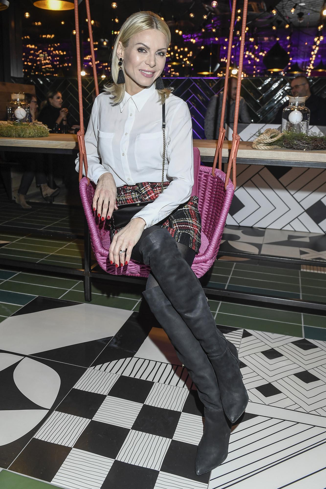 Szostak w DZIWNYCH butach i Paulina Sykut w bieli na otwarciu hotelu (ZDJĘCIA)