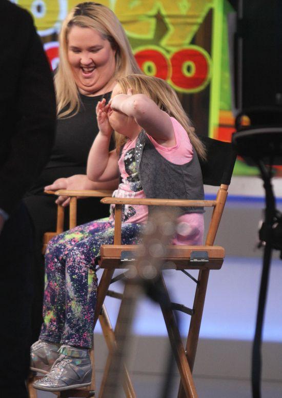 8-letnia Honey Boo Boo w pełnym makijażu udziela wywiadu