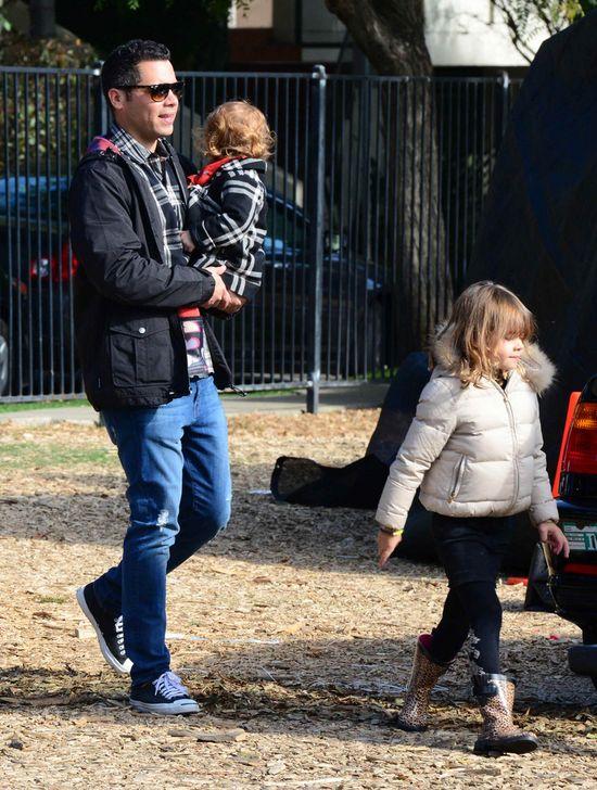 Jessica Alba przygotowuje się z rodziną na święta (FOTO)