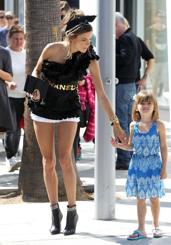 Piękna Alessandra Ambrosio dla Chanel (FOTO)