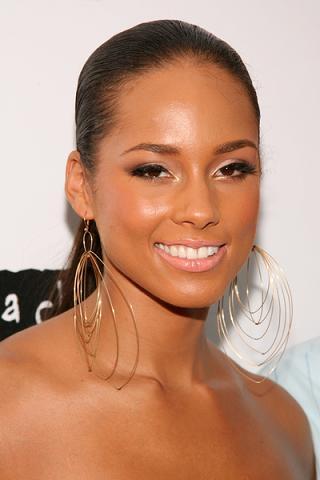 Alicia Keys chce być jak Angelina Jolie
