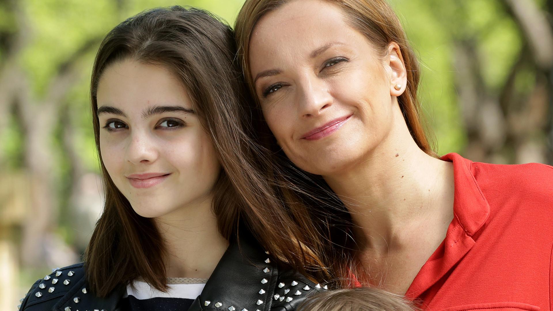 Alicja Wieniawa-Narkiewicz, siostra Julii, w nowym serialu (ZDJĘCIA)