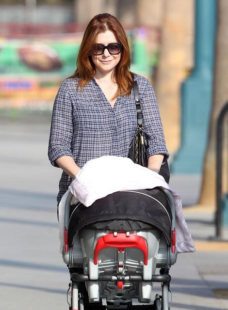 Dumna mama Alyson Hannigan (FOTO)