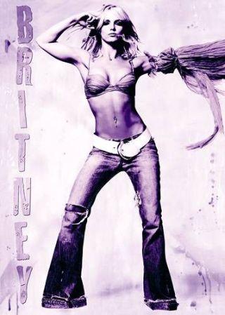 Britney Spears pływa w bieliźnie