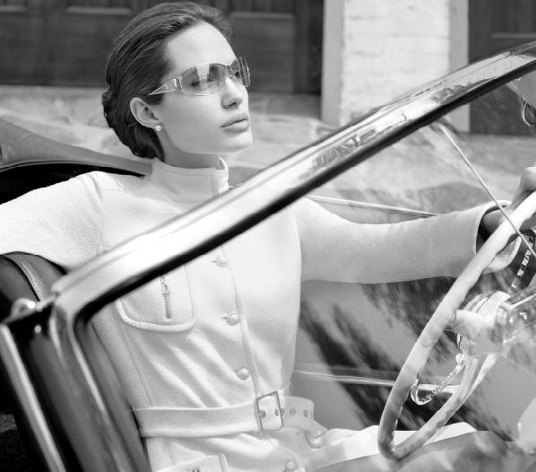 Angelina Jolie dla St. John
