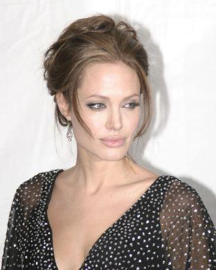 Angelina Jolie żałuje, że jest aktorką
