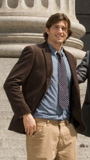 Ashton Kutcher radzi, jak się ubierać