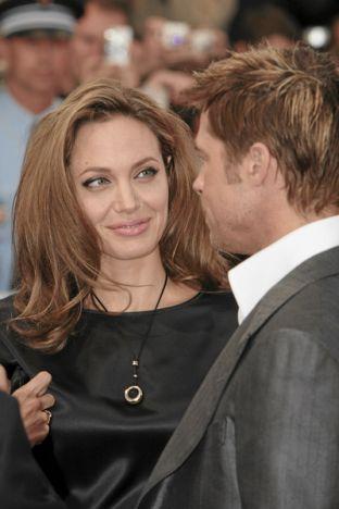 Angelina znowu w czerni (FOTO)
