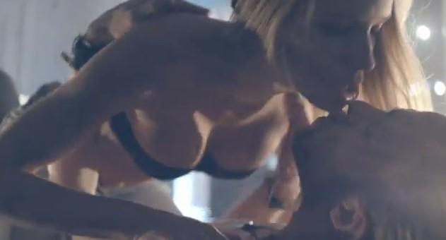 Alan Andersz promuje seks z prezerwatywą! WIDEO