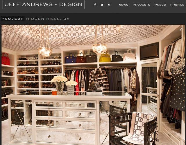 Witajcie w garderobie Kris Jenner (FOTO)