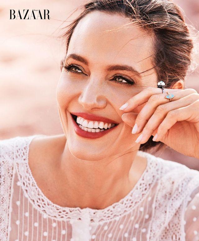 Angelina Jolie porusza niezwykle ważne kwestie w nowym Harper's Bazaar