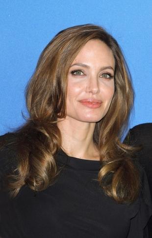 Wychudzona Angelina Jolie w Berlinie (FOTO)