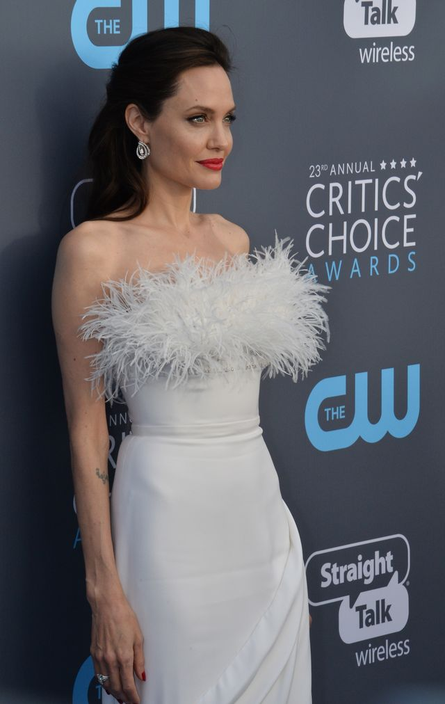 Angelina Jolie wciąż bardzo CHUDA (ZDJĘCIA)