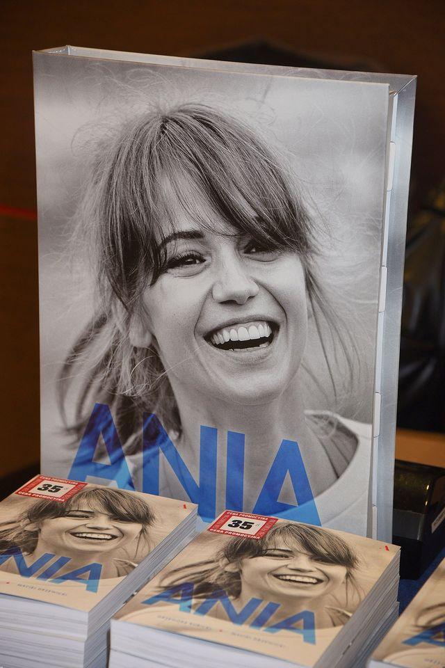Promocja książki o Annie Przybylskiej - Anna Dereszowska czytała fragmenty (ZDJĘ