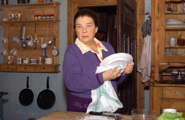 Katarzyna Łaniewska recytuje wiersz u boku Kaczyńskiego