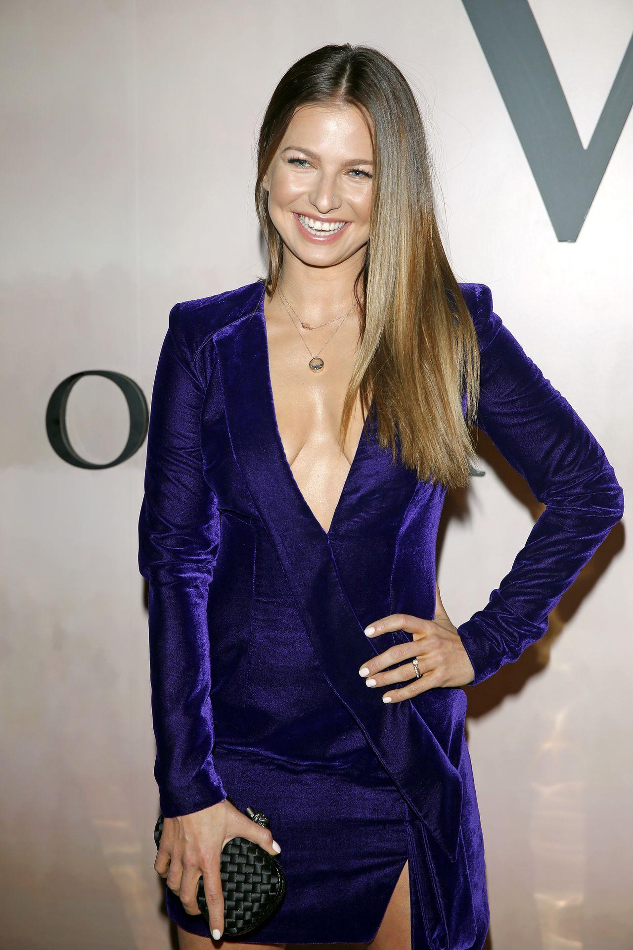 Anna Lewandowska w luźnej sukience: Jesteś w ciąży?