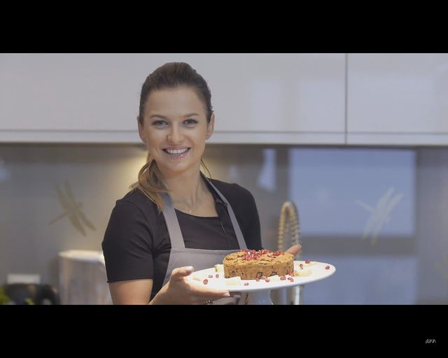 Anna Lewandowska pokazała, jak zrobić ciasto na Walentynki