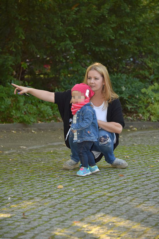 Samotna Anna Powierza chce zosta� kr�low� ustawek? (FOTO)