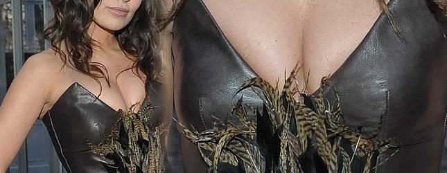 Ściśnięty biust polskiej aktorki cierpi (FOTO)