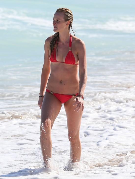 Była dziewczyna Adama Levine'a w znakomitej formie (FOTO)
