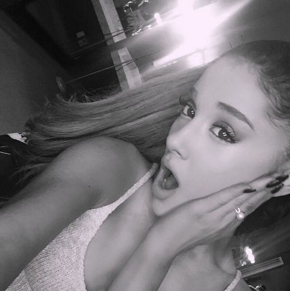 Ariana Grande zaatakowana na scenie! (VIDEO)