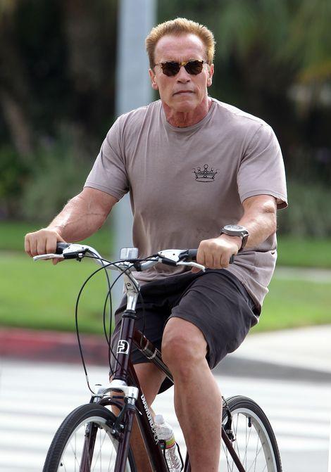 Christina Schwarzenegger z tatą na rowerach (FOTO)