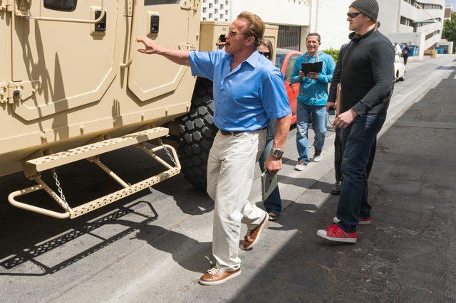Nie uwierzycie, jakim samochodem jeździ po mieście Arnold Schwarzenegger