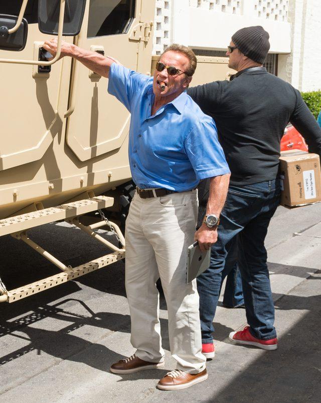 Nie uwierzycie, jakim samochodem je�dzi po mie�cie Arnold Schwarzenegger