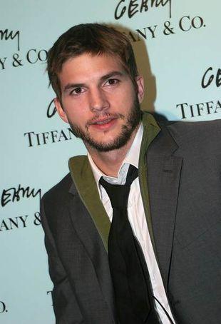 Ashton Kutcher spotyka się Milą Kunis