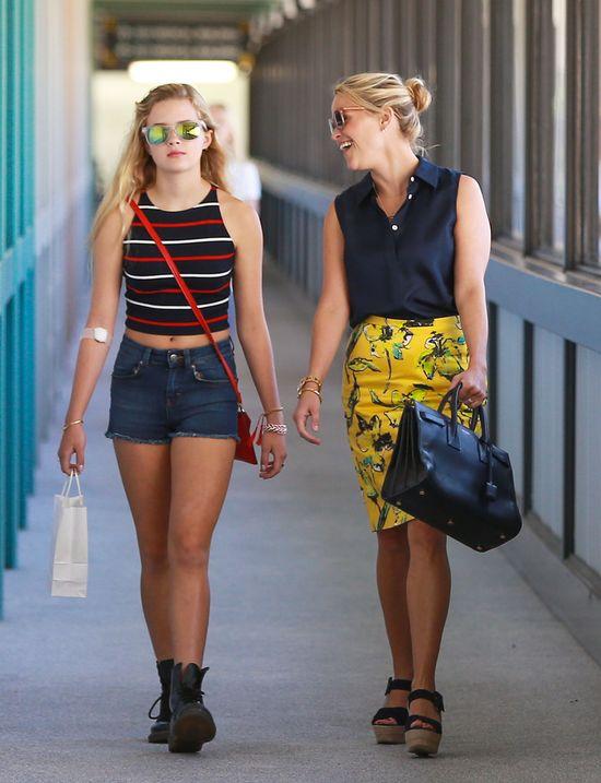 Reese Witherspoon podejrzewa córkę o... (FOTO)
