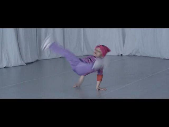 Co ona wyprawia? Nawet Pink zauważyła taniec tej 6-latki!