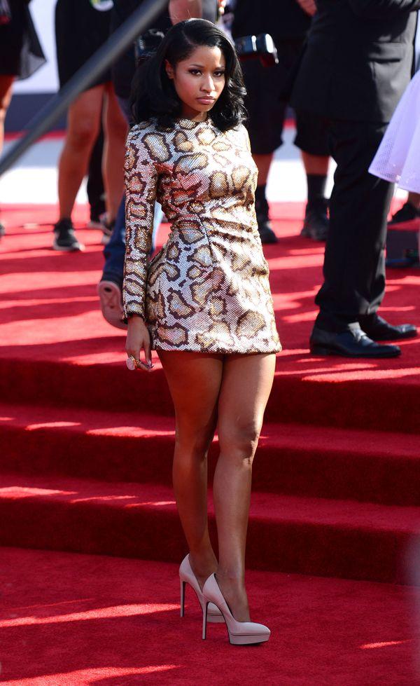 Nicki Minaj - minisukienka w lamparcie cętki - 2014 rok